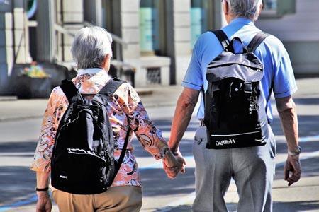 Associazioni con attività per anziani - CARD
