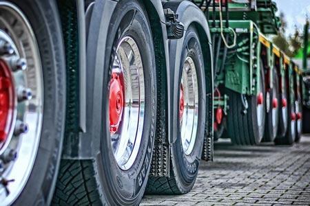 Autorizzazioni per mezzi superiori a 35 quintali e nullaosta carrelli elevatori