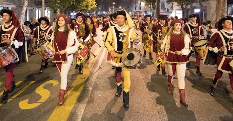 Chiedere ordinanza processioni e cortei